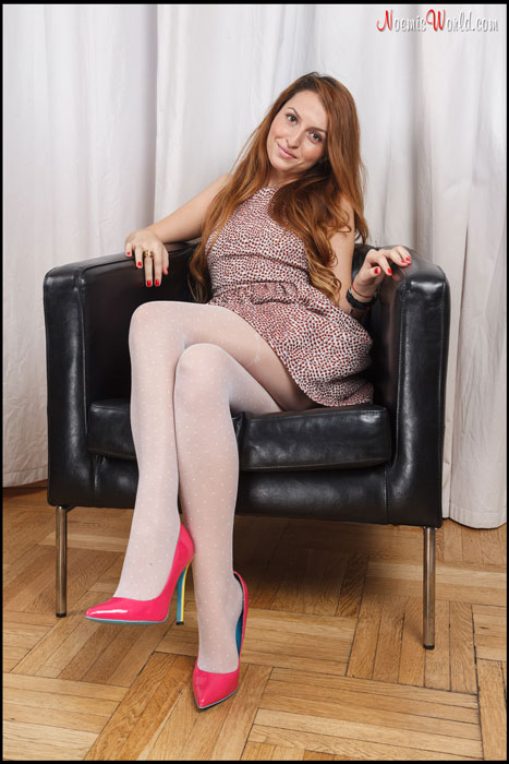 Cute-Cora-in-white-pantyhose-and-barefoot-01