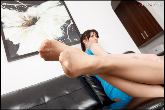 Flavia-Tall-brunette-in-nude-pantyhose-11