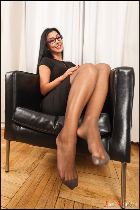 Brunette-with-glasses-in-grey-pantyhose-12