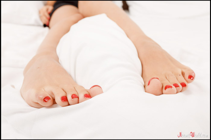 Cute-Amy-wiggling-her-long-toes-15